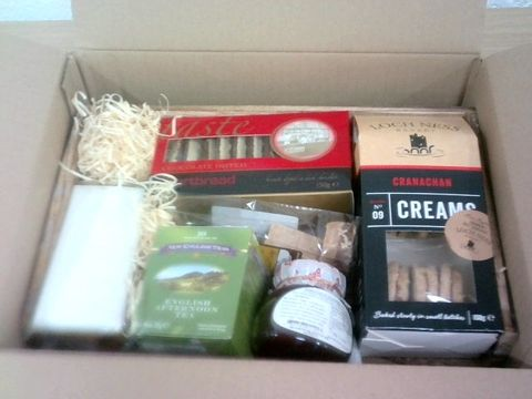 Lot 36 AFTERNOON TEA TRAY GIFT SET