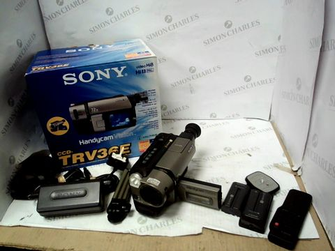 Lot 10305 SONY HANDYCAM VISION CCD-TRV365 CAMCORDER