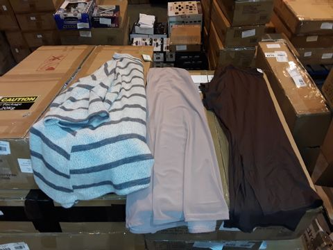Lot 8289 BOX OF APPROXIMATELY 45 ASSORTED CLOTHING ITEMS TO INCLUDE SUGAR CRISP WHITE/GREY STRIPED JUMPER, EMELIAX BROWN T-SHIRT AND NICOLE SALMON PINK VEST