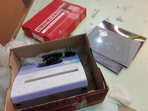 Lot 90 KIT N CABOODLE A4 DIE CUTTING AND EMBOSSING MACHINE