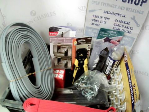 Lot 534 ASSORTED DIY ITEMS INC WIRE STRIPPER & CRIMPER, SILICONE TROWEL & SCAPER, TIES