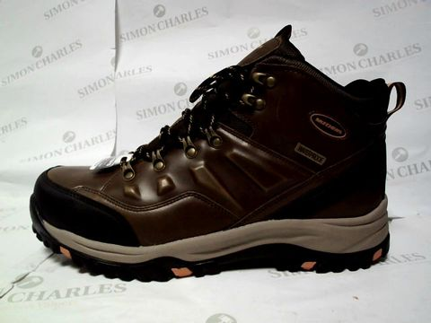 Lot 1125 BOXED UK SIZE 10 SKECHERS TRAVEN DARK BROWN HIKING BOOTS