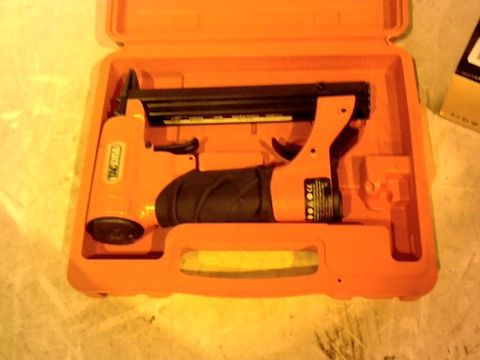 Lot 12422 TACWISE A8016V 80-UPHOLSTERY AIR STAPLE GUN