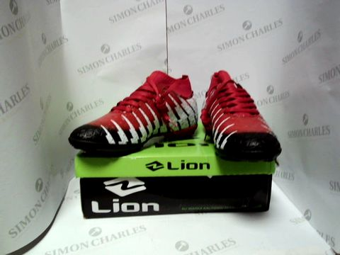 Lot 13025 BOXED PAIR OF DESIGNER LION TRAINERS - UK SIZE 6.5