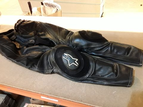 Lot 53 PAIR OF ALLSTAR BLACK LEATHER MOTORCYCLE TROUSERS SIZE EUR 50