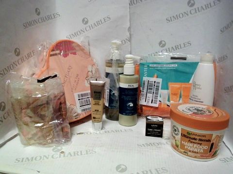 Lot 4389 LOT OF APPROXIMATELY 8 BEAUTY ITEMS, TO INCLUDE REN ATLANIC KELP AND MAGNESIUM BODY WASH, GARNIER ULTRA BLENDS HAIR FOOD PAPAYA, SANCTUARY SPA GIFT SET, ETC RRP £143.00