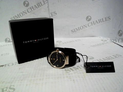 Lot 4306 TOMMY HILFIGER LIBERTY NAVY STAINLESS STEEL MESH NAVY SUNRAY DIAL LADIES WATCH RRP £125.00