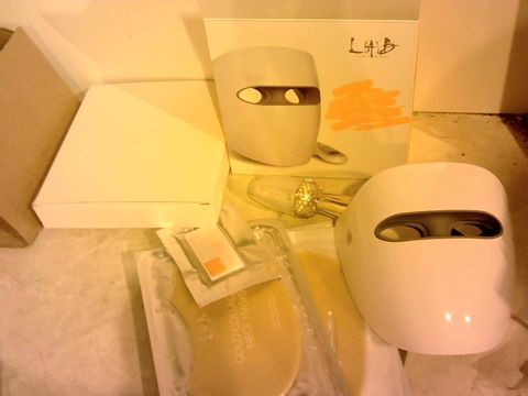 Lot 11117 LAB LED ANTI-AGEING FACE MASK SYSTEM WITH ELIXIR & MASK SELECTION