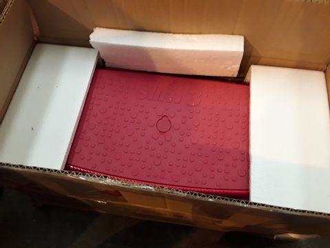 Lot 10550 BOXED VIBRAPOWER SLIM 3 SEAT RED