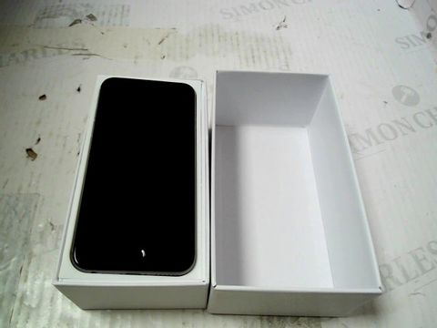 Lot 330 BOXED APPLE IPHONE 6 (A1586) SMARTPHONE - CAPACITY UNKNOWN