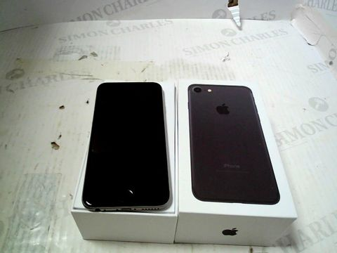 Lot 308 BOXED APPLE IPHONE 6 (A1586) SMARTPHONE - CAPACITY UNKNOWN