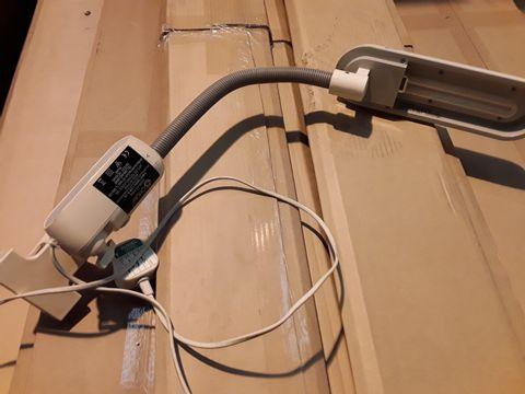 Lot 10629 OTTLITE ADJUSTABLE DESK LIGHT WITH CLIP
