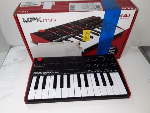 Lot 4240 AKAI PROFESSIONAL MPK MINI MK3 – 25 KEY USB MIDI KEYBOARD CONTROLLER WITH 8 BACKLIT DRUM PADS, 8 KNOBS
