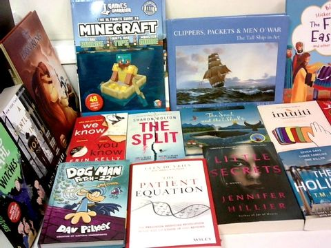 Lot 1L CAGE OF ASSORTED BOOKS TO INCLUDE TITLES BY; JACQUELINE WILSON, ROALD DAHL, AMOR TOWLES, ERIN KELLY, GLEN DE VRIES, JULIA DONALDSON, DAVID WALLIAMS AND MARTIN GAYFORD