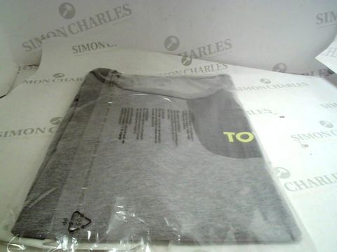 Lot 13068 DESIGNER NIKE GREY T-SHIRT SIZE M