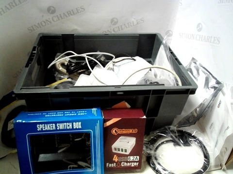Lot 159 LOT OF APPROXIMATELY 22 ASSORTED ITEMS TO INCLUDE CABLES, POWER LEADS, ACCESSORIES ETC