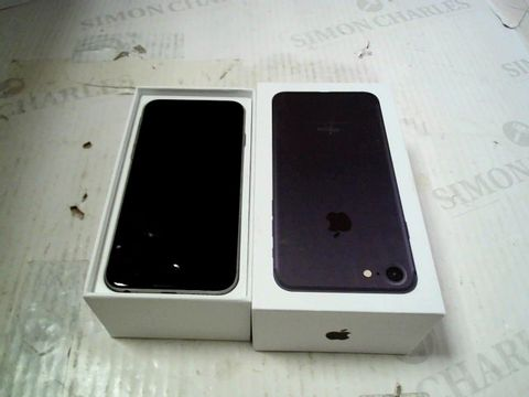 Lot 298 APPLE IPHONE 6 (A1586) SMARTPHONE - CAPACITY UNKNOWN