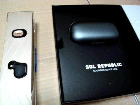 Lot 850 SOL REPUBLIC AMPS AIR