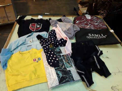 Lot 13530 CAGE OF ASSORTED CHILDRENS CLOTHING TO INCLUDE: JOULES COAT, NEXT JUMPER, SAMLI SUIT ETC