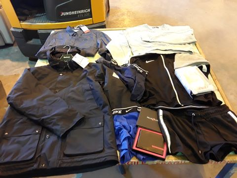 Lot 1703 CAGE OF ASSORTED DESIGNER ADULTS CLOTHING TO INCLUDE: BARBOUR JACKET, TOMMY HILFIGER NIKE HOODED TOP, NIKE HAT, CALVIN KLEIN UNDERWEAR, PARIS ATELIER LONG JACKET, MAN UTD JERSEY, CHELSEA TRACKSUIT TOP