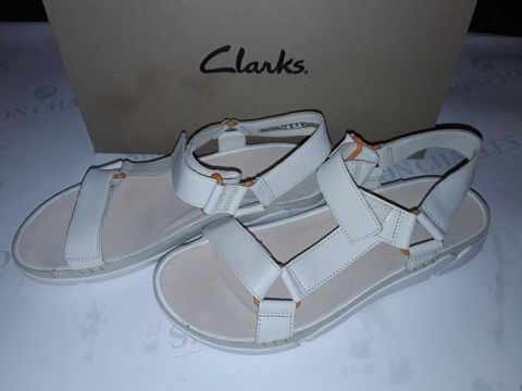 Lot 8052 BOXED PAIR OF CLARK'S TRI SPOTTY SHOES IN WHITE LEATHER - UK 7