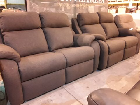 Lot 616 PAIR OF QUALITY BRITISH MANUFACTURED HARDWOOD FRAMED BROWN FABRIC TWO SEATER SOFAS ( 1 FIXED, 1 POWER RECLINING)
