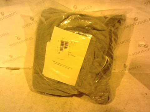 Lot 1009 COZEE HOME LUXURY FAUX FUR HEATED THROW