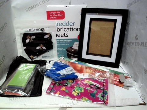 Lot 7655 LOT OF A LARGE QUANTITY OF ASSORTED HOUSEHOLD ITEMS, TO INCLUDE TECHSTONE RESISTANCE BANDS, VARIOUS FACE COVERINGS, HEM INCENSE STICKS, ETC
