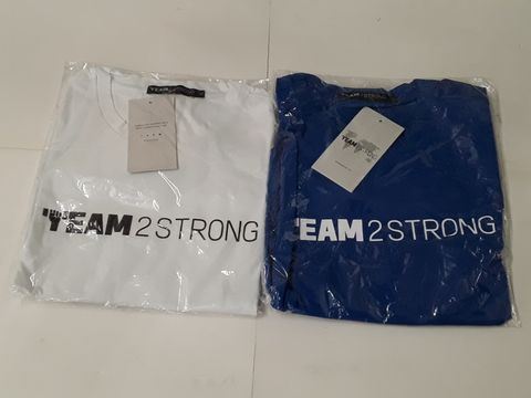 Lot 35 LOT OF 2 TEAM2STRONG T-SHIRTS IN BLUE & WHITE - BOTH XL