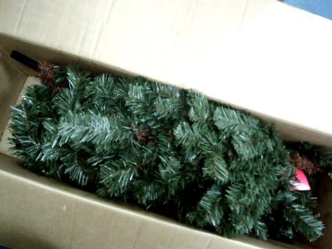 Lot 9002 WERCHRISTMAS PRE-LIT SPRUCE MULTI-FUNCTION CHRISTMAS TREE  RRP £120.00