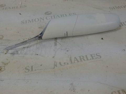 Lot 1185 PHILLIPS SONICARE AIRFLOSS PRO INTERDENTAL CLEANER IN WHITE
