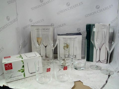 Lot 201 LOT OF APPROXIMATELY 4 SETS OF ASSORTED DESIGNER GLASSWARE, INCLUDING RAVENHEAD HIBALL GLASSES, KAHLA FLUTES AND RCR TUMBLERS