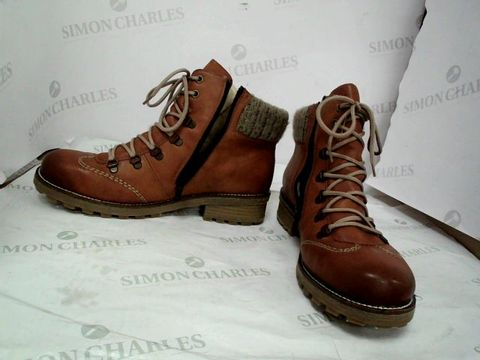 Lot 8612 RIEKER HIKER BOOT WITH CUFF DETAIL SIZE 41