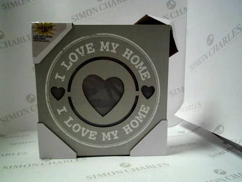 "Lot 7613 BOX OF 4 ILLUMINATED ""I LOVE MY HOME"" SIGNS"