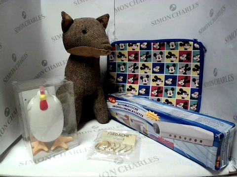 Lot 17763 LOT OF APPROXIMATELY 5 ASSORTED HOUSEHOLD ITEMS, TO INCLUDE FOX DOORSTOP, MICROWAVE EGG COOKER, MICKEY MOUSE TABLET CASE, ETC