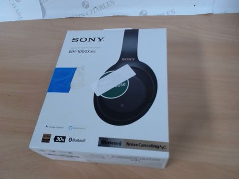 Lot 2107 SONY NOISE CANCELING HEADSET