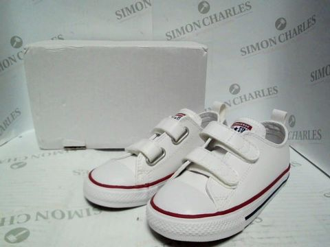 Lot 1019 KIDS XCONVERSE ALL STAR WHITE TRAINERS - UK SIZE 10