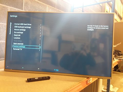 Lot 127 PHILIPS 50PUS6754 50 INCH 4K ULTRA HD HDR SMART LED TV
