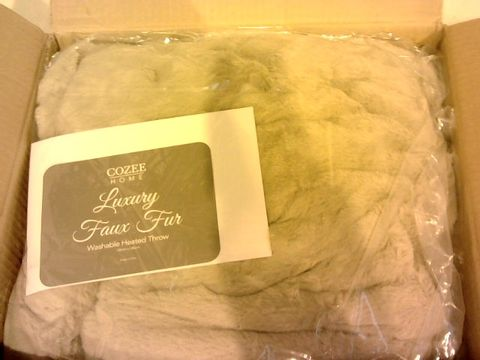 Lot 11084 COZEE HOME LUXURY FAUX FUR HEATED THROW