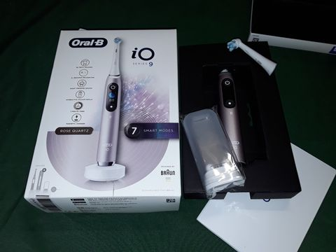 Lot 9418 ORAL B IO SERIES 9 ELECTRIC TOOTHBRUSH